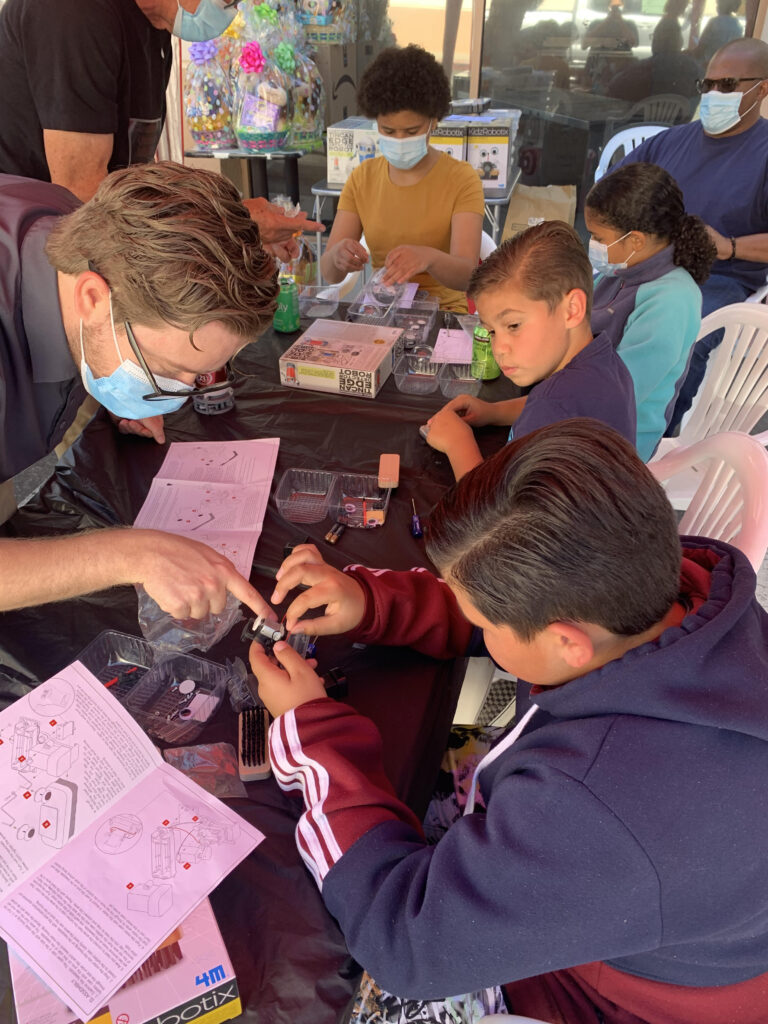 At-risk youth participate in 'Gearing Up for STEM' workshop